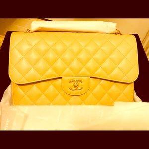 🌟BRAND NEW IN THE BOX JUMBO CHANEL BAG!!!!!🌟